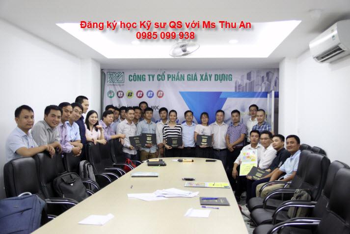 Lớp học Kỹ sư QS GXD khóa 1 bế giảng
