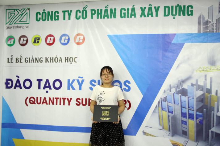 Nữ kỹ sư QS Việt Nam xinh đẹp