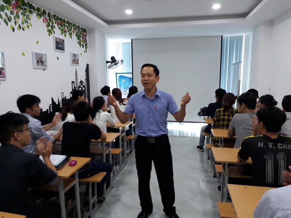 thầy Nguyễn Thành Vĩnh và lớp học đọc bản vẽ bóc khối lượng