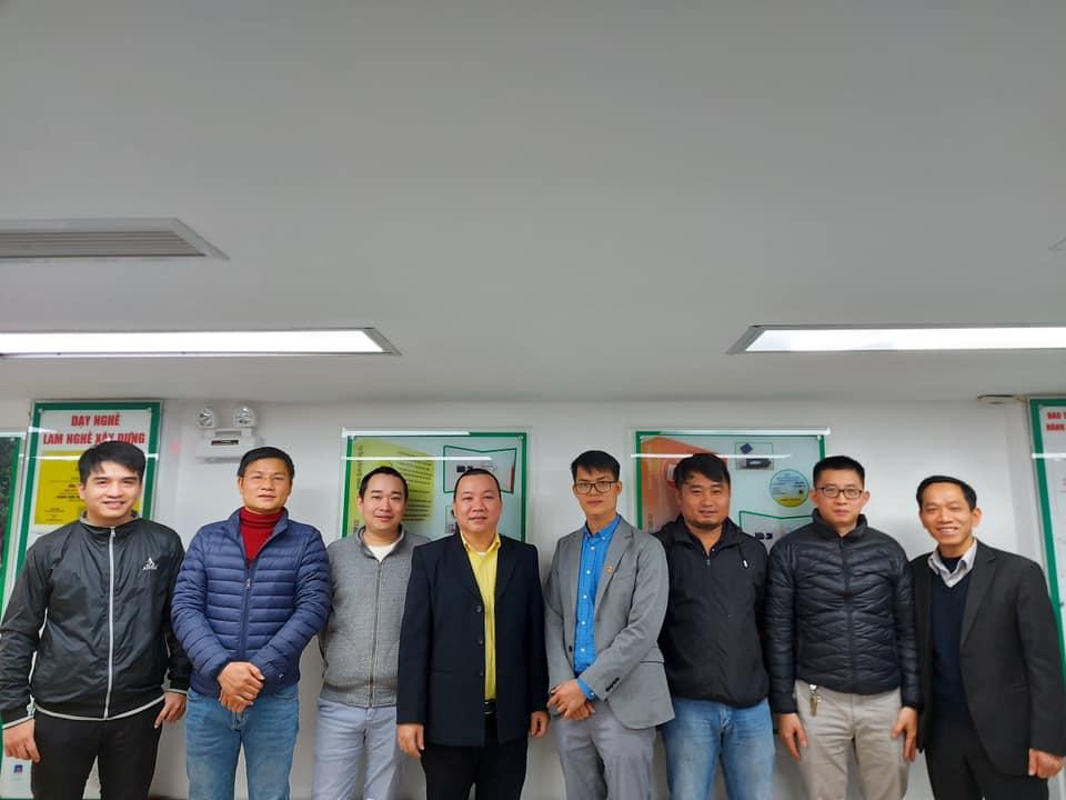 Nhóm các kỹ sư giàu kinh nghiệm tham gia buổi giới thiệu phần mềm Giám sát xây dựng